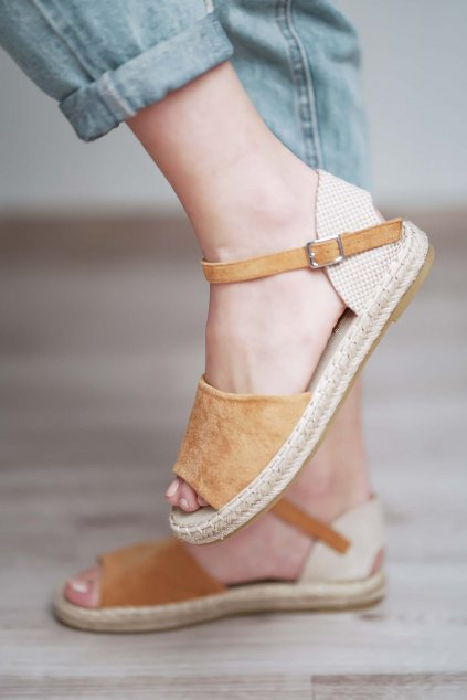 topánky, obuv, tenisky, botasky, lodičky, čižmy, šľapky, sandálky 581