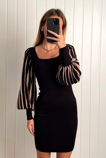 Úpletové šaty s puff rukávom