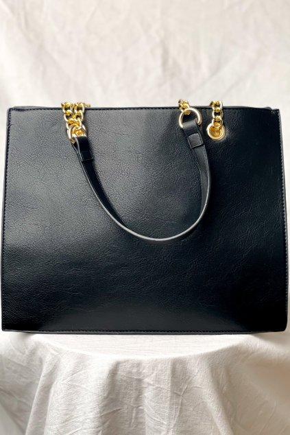 Základná čierna kabelka