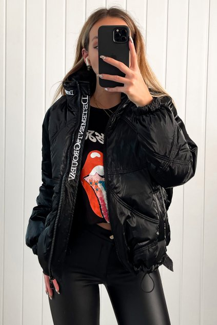 Lesklá prešívaná oversize bunda