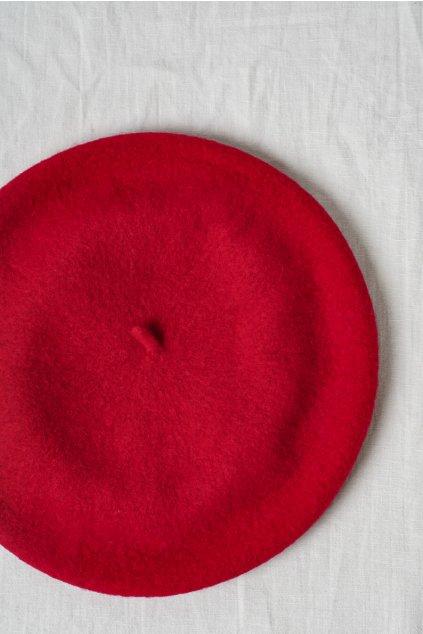 Baretka červená