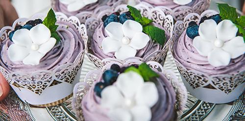 Borůvkové cupcakes s lyofilizovanými borůvkami