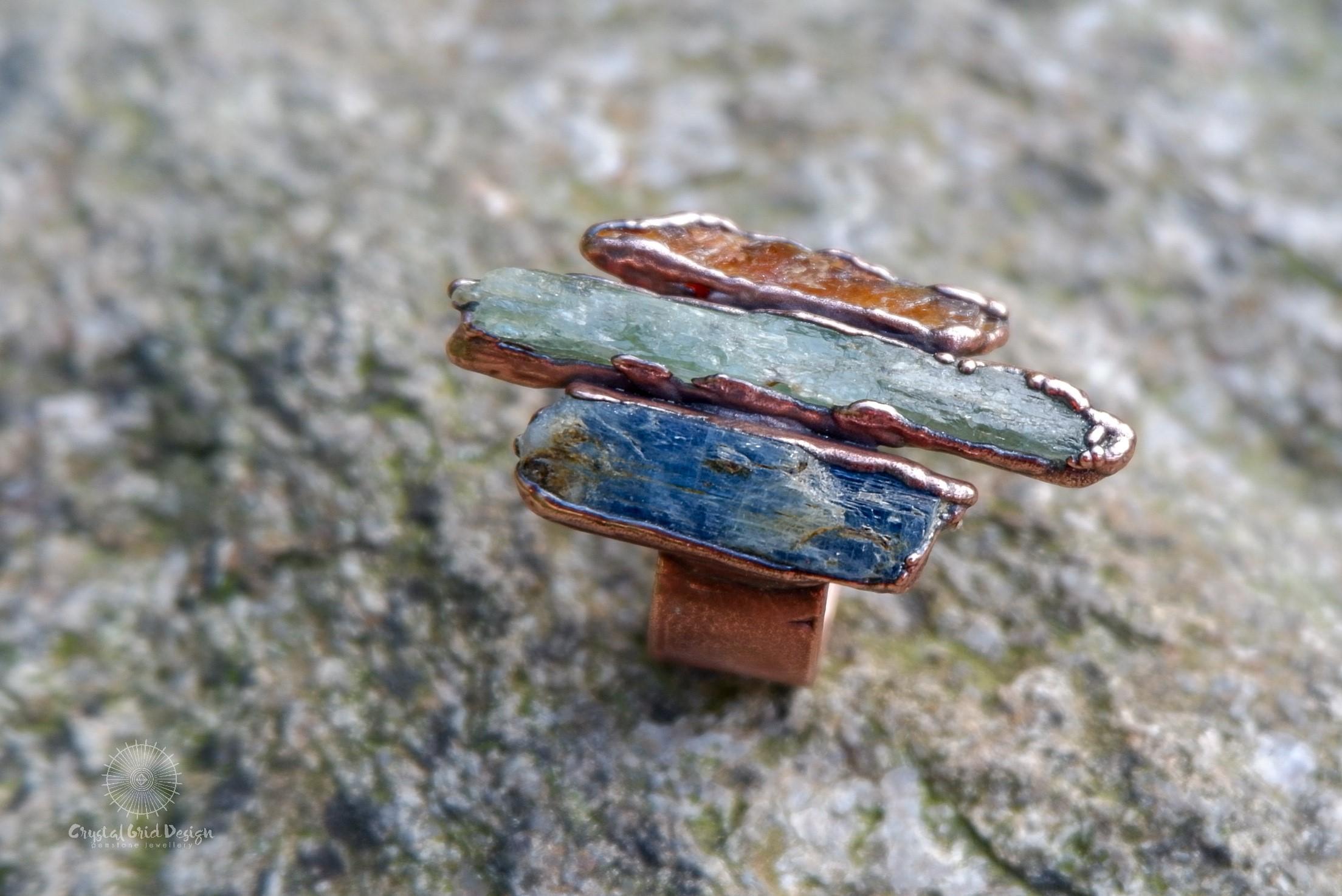 Prsten s kyanity