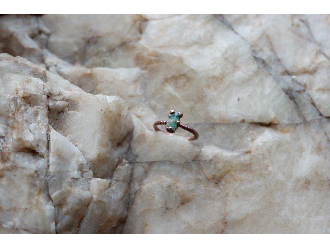 Prsten se smaragdem vel. 50
