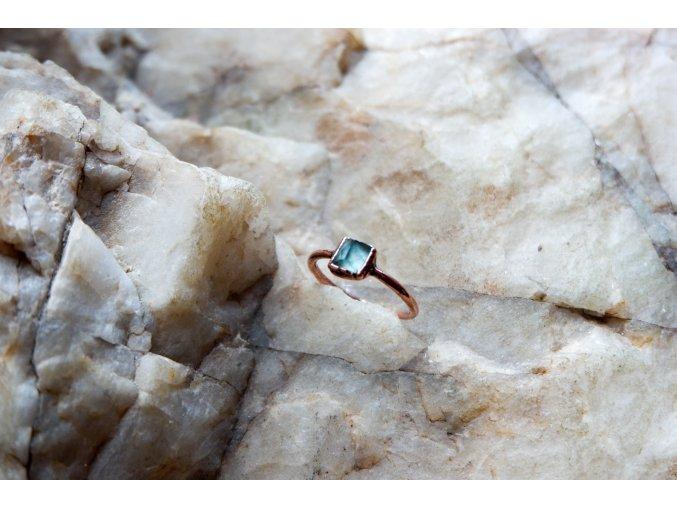 Prsten s modrým turmalínem vel. 56