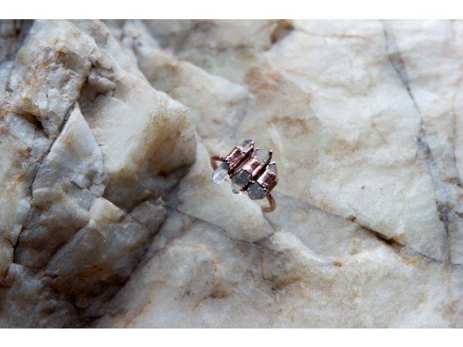 Prsten s křišťály vel. 58
