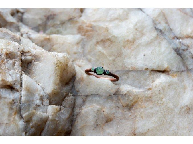 Prsten s  granáty vel. 59