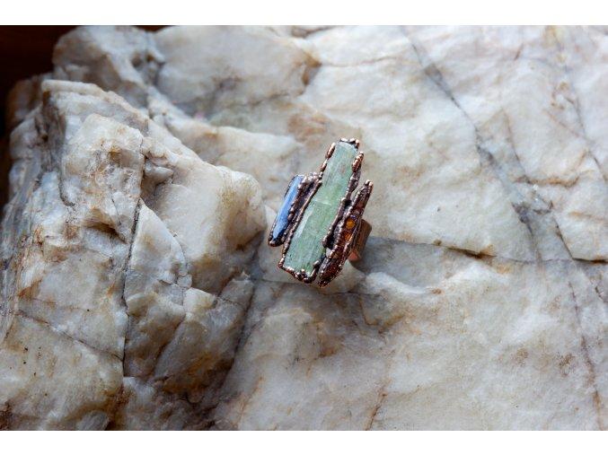 Prsten s kyanity vel. 58