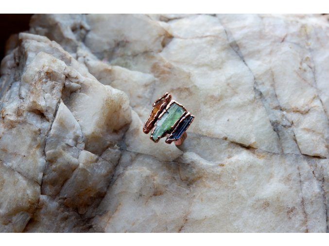 Prsten s kyanity vel. 54