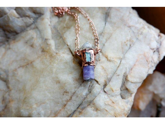 Přívěsek s fialovým skapolitem, tibetským křišťálem a modrým turmalínem