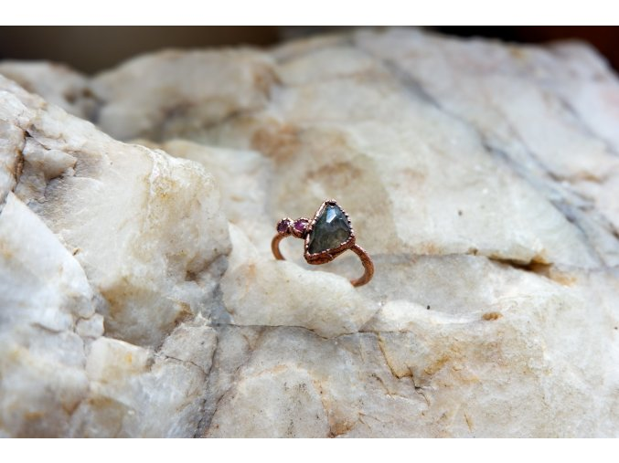 Prsten se zeleným a růžovými turmalíny vel. 51