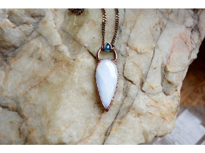Přívěsek s měsíčním kamenem a modrým turmalínem