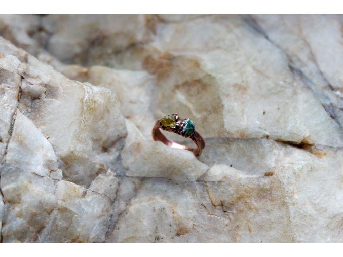 Prsten se smaragdem a heliodorem vel. 48