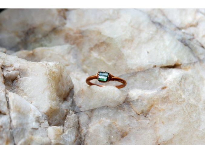 Prsten se zeleným turmalínem vel. 53