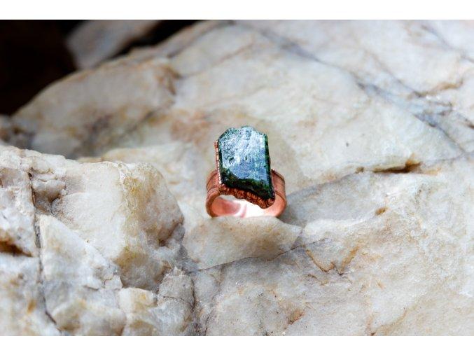 Prsten s chromdiopsidem vel. 54