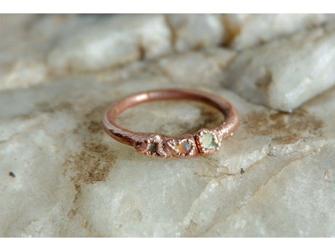 Prsten s welo opály