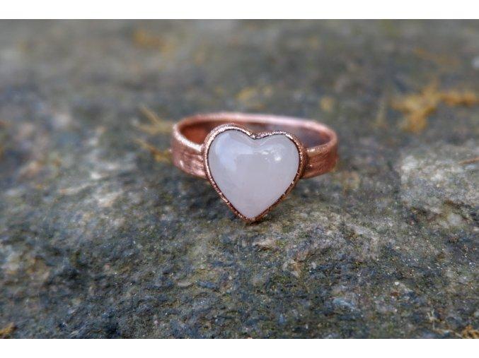 Prsten s růženínem vel. 56