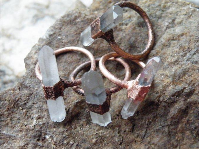 Prsten s křišťálem