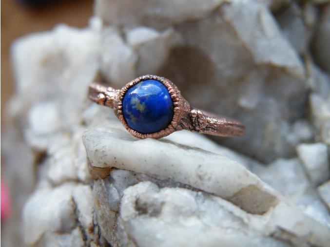 Prsten s lapis lazuli