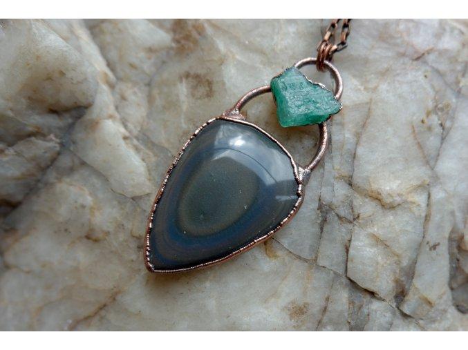 Přívěsek s duhovým obsidiánem a smaragdem