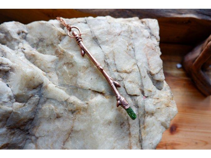 Třešňová hůlka s herkimerem a chromdiopsidem
