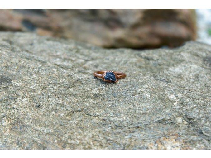 Prsten s tanzanitem vel. 58
