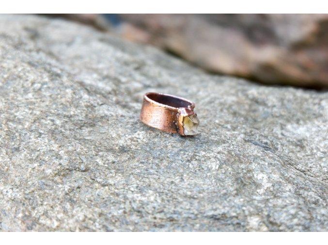 Prsten s topazem vel. 51