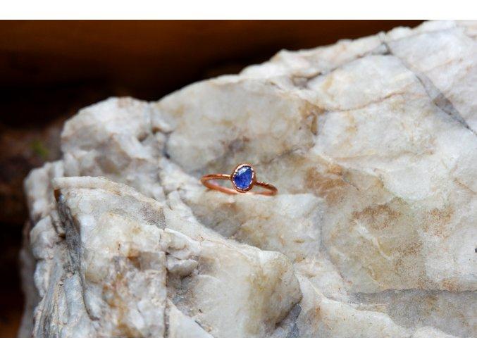 Prsten s tanzanitem vel. 57