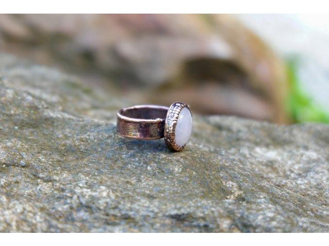 Prsten s růženínem vel. 50