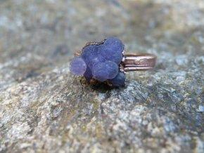 Prsten s hroznovým achátem