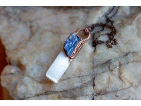 Přívěsek se selenitem, modrým a oranžovým kyanitem