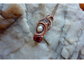 Krystalová esence - granát a říční perla (vínová)