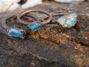 Prsten s modrým apatitem