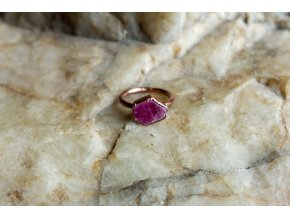 Prsten s rubínem vel. 54