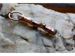 Ořechová hůlka s akvamarínem a křišťálem