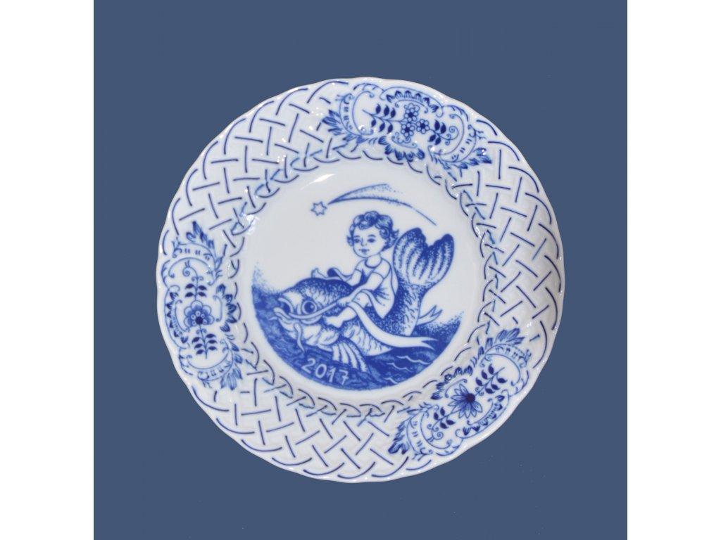 Talíř závěsný reliéfní / výroční 2017 - cibulový porcelán10432
