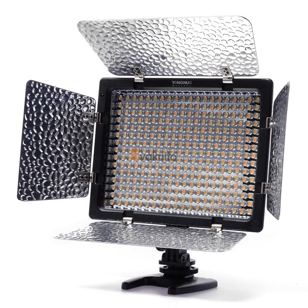 LED video svetlo YongNuo YN 300 II - 300 kvalitných LED diód