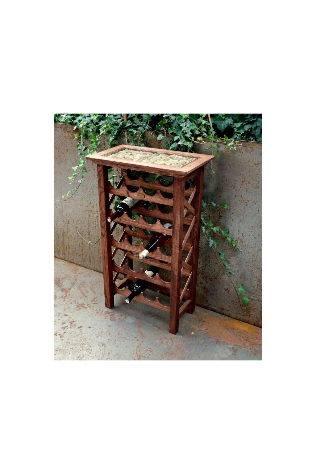 Dřevěná vinotéka