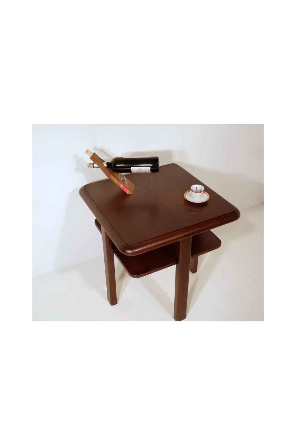 stylový dřevěný nábytek ton halabala