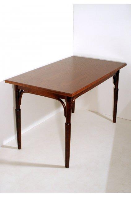 jídelní dřevěný stůl Ton