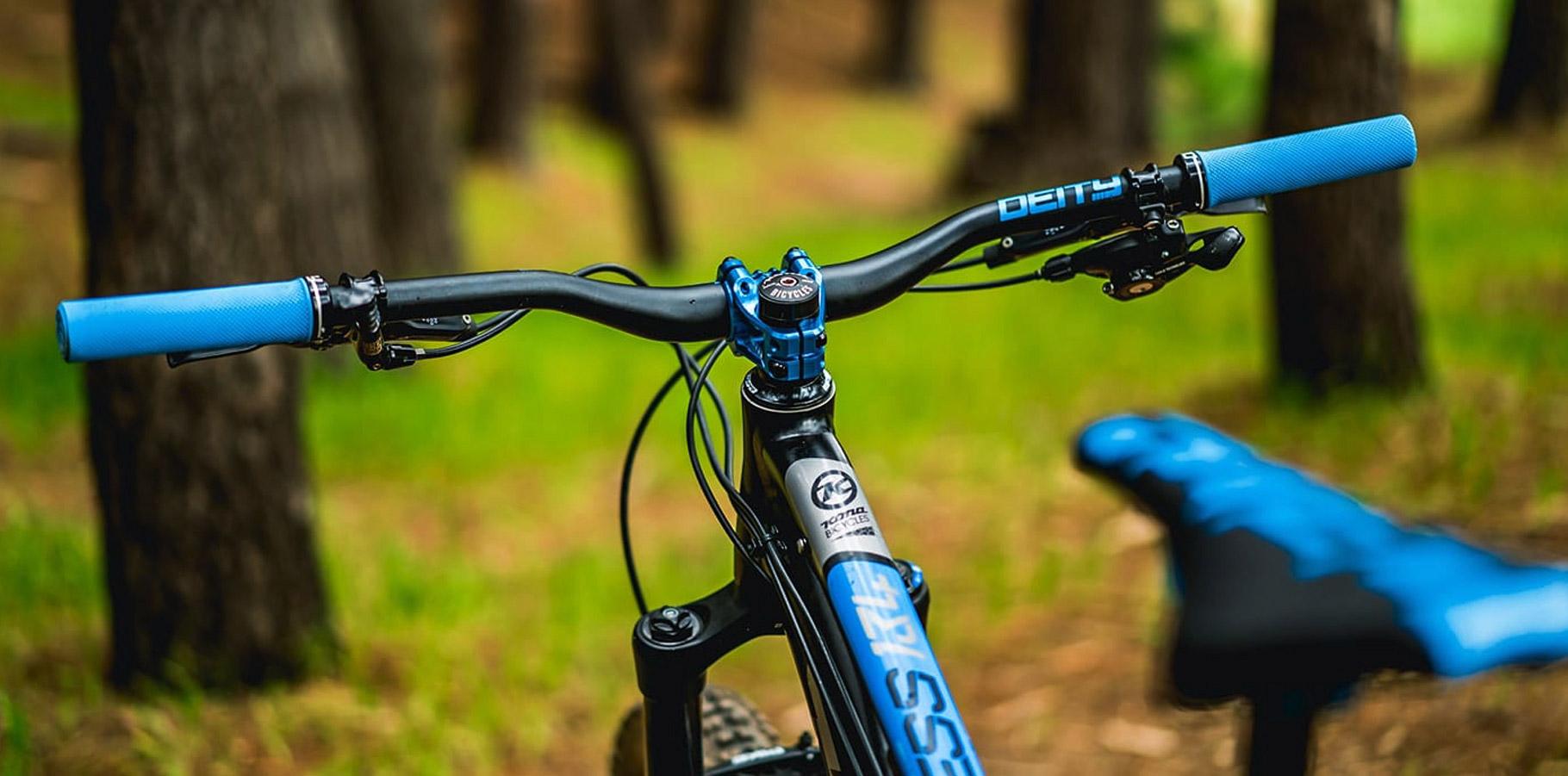 Deity-gripy-waypoint-bike
