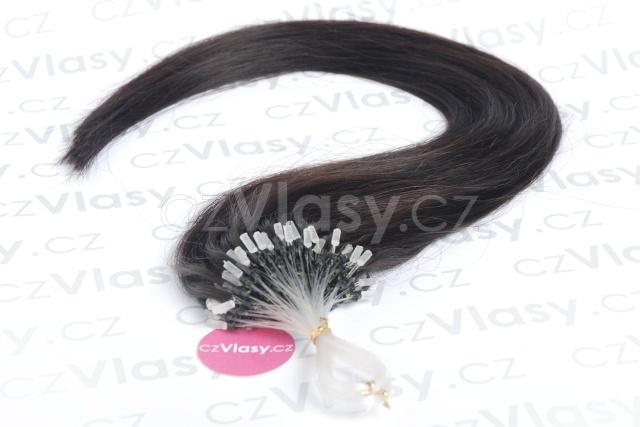 Asijské vlasy na metodu micro-ring odstín 1B po 20 ks Délka: 41 cm, Hmotnost: 0,4 g/pramínek, REMY kvalita