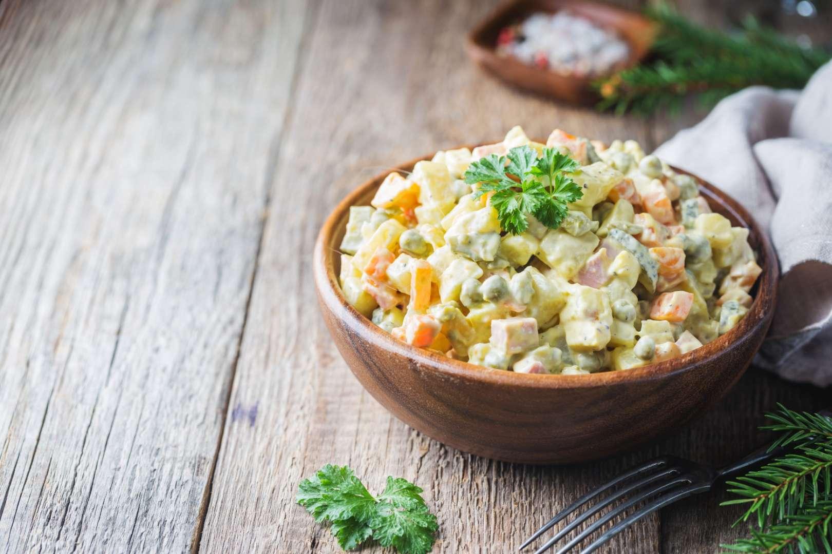 """""""Bramborový"""" celerový salát"""