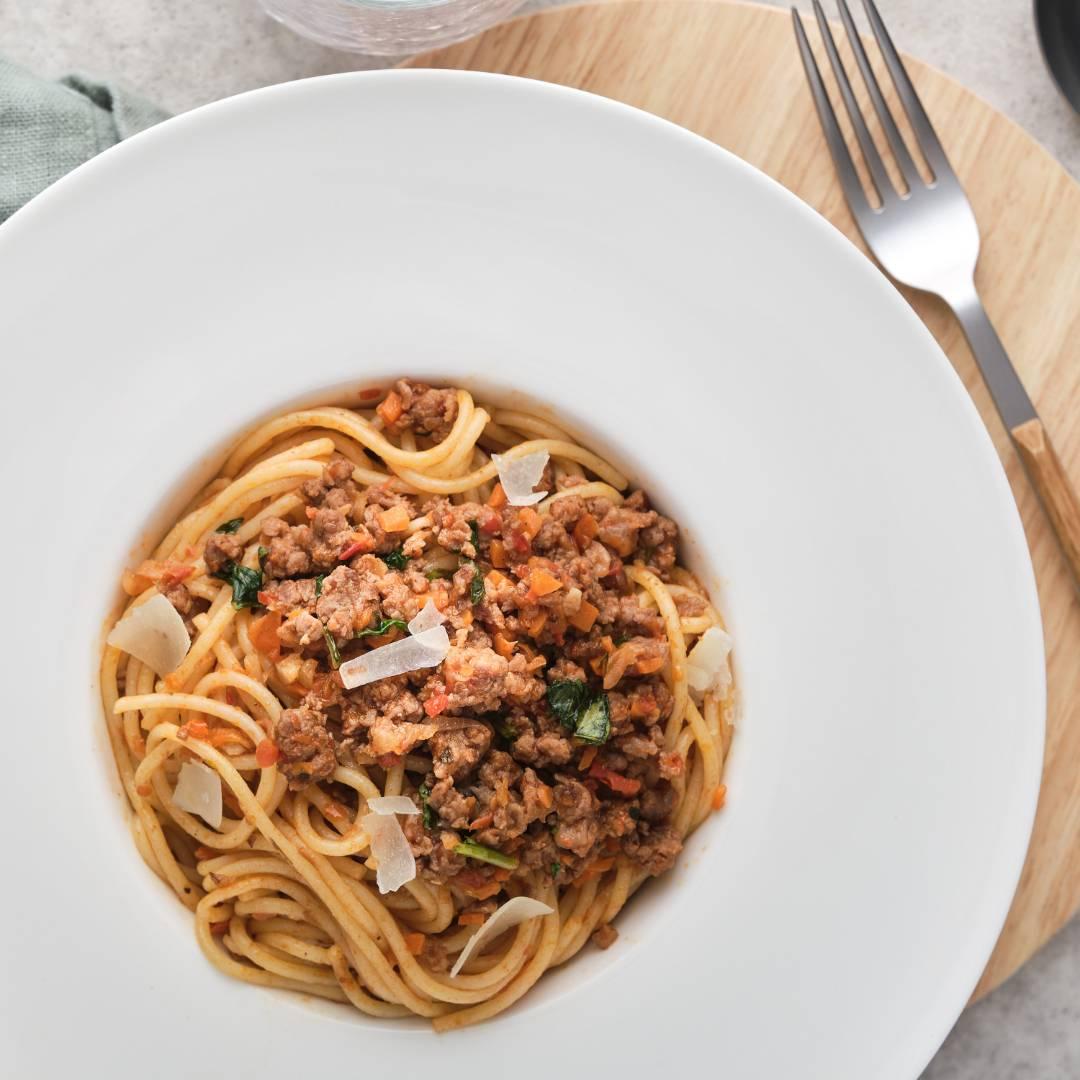 Špagety s mletým masem a smetanou
