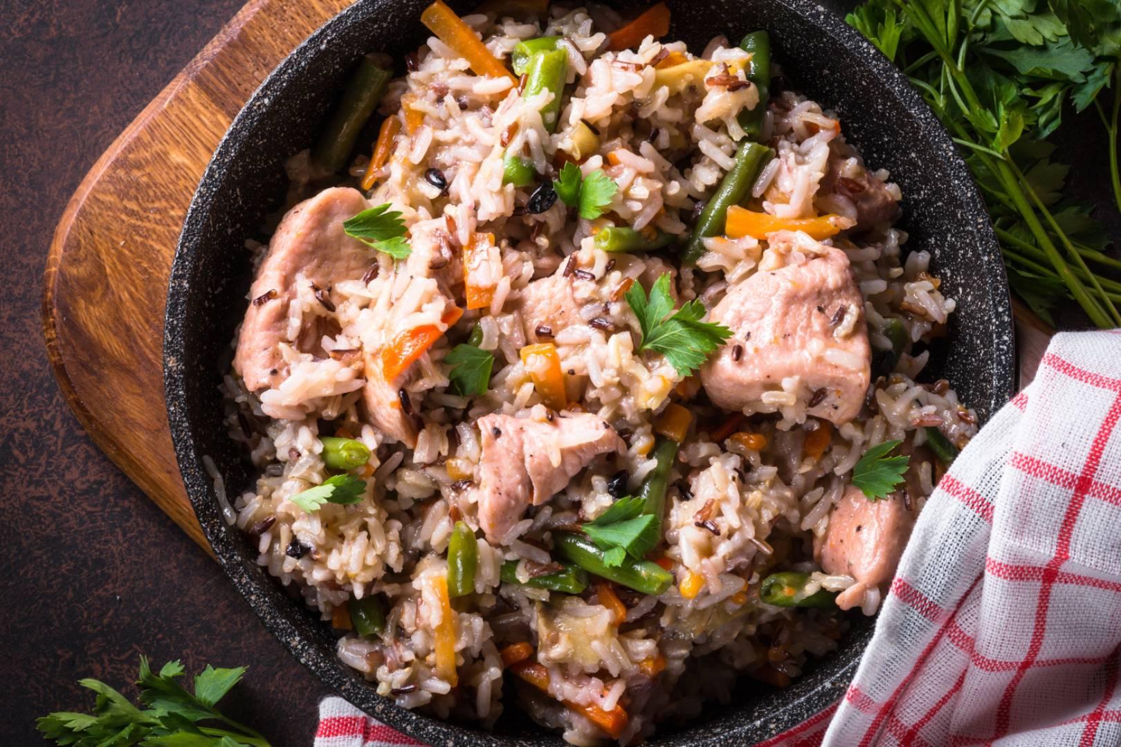 Konjaková rýže s krůtími prsy