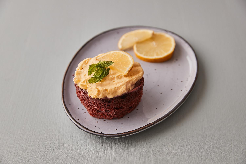 Čokoládová tortička v hrnčeku (mug cake)