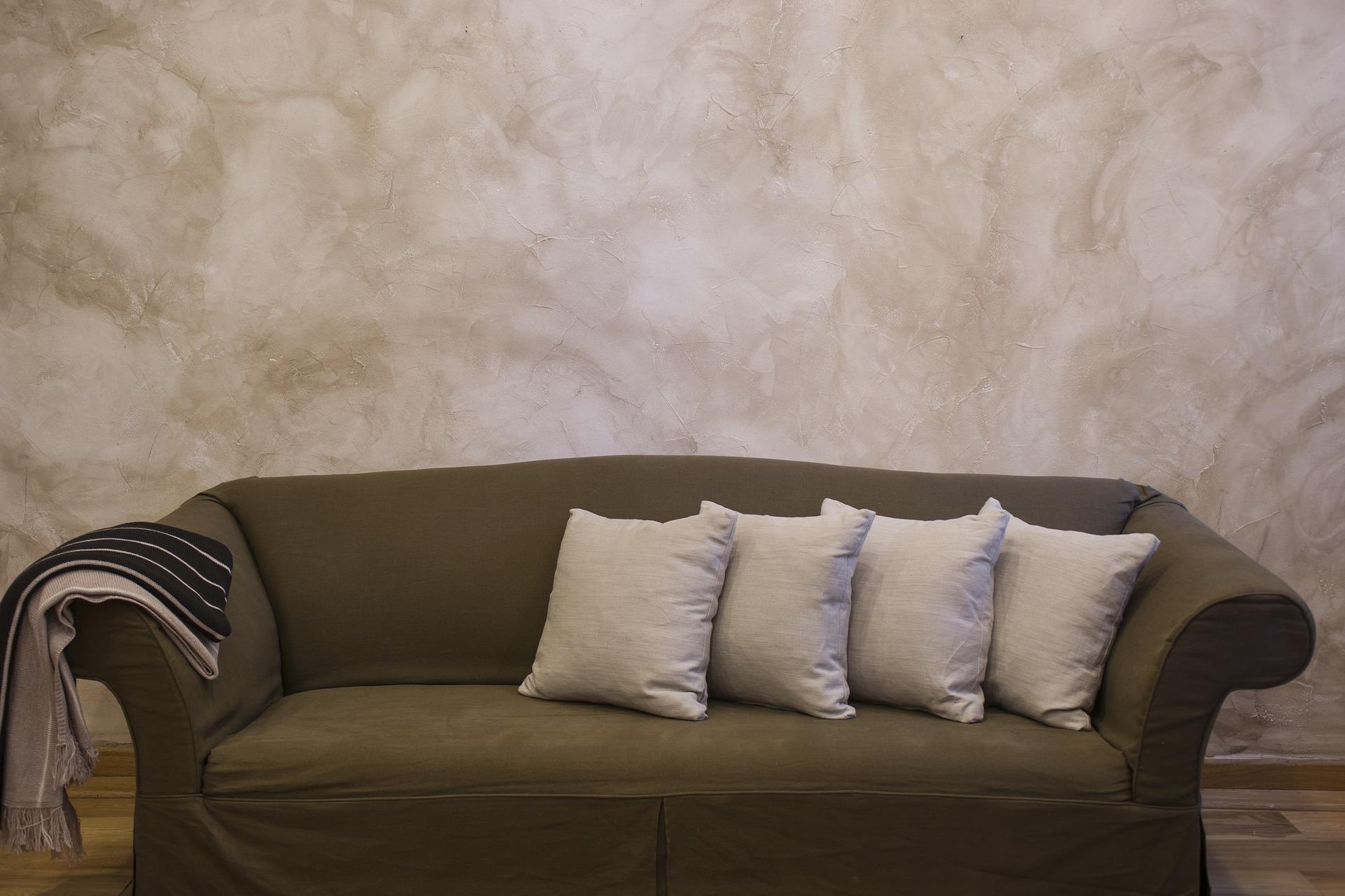 Pohodlné křeslo nebo designový solitér do interiéru?