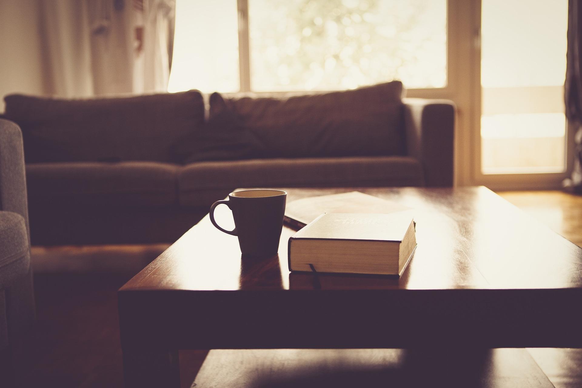 Útulný obývák v paneláku? 4 oblasti, na které se musíte soustředit