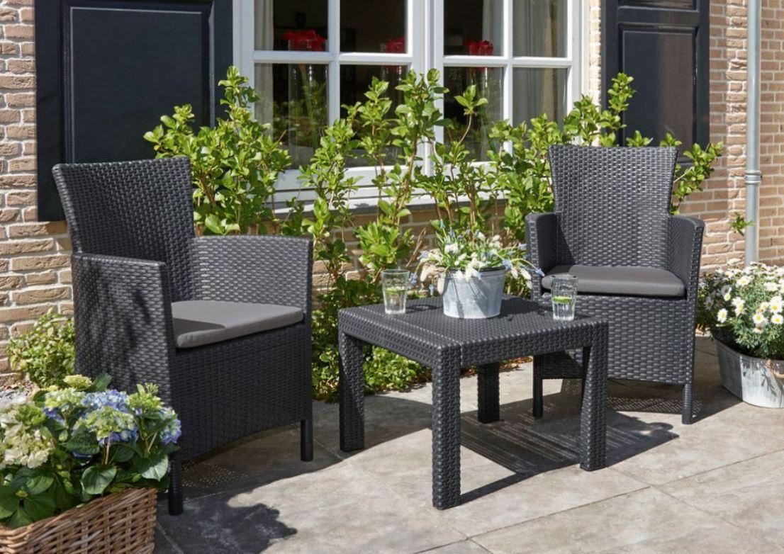 Zahradní nábytek: jak se o něj starat?
