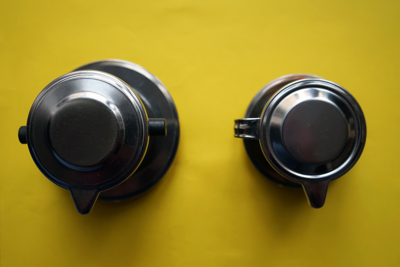 Druhy vietnamských phin filtrů a jak ovlivňují přípravu kávy